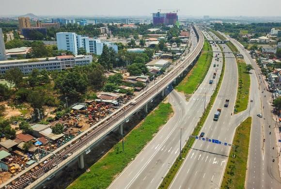 Tuyến metro số 1 Bến Thành - Suối Tiên lại thêm 2 gối cao su lệch vị trí ảnh 1
