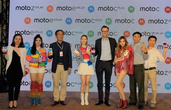 "Motorola tung bốn smartphone giá ""mềm"" ảnh 1"
