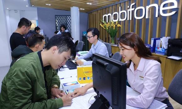 MobiFone bán iPhone X cùng gói cước