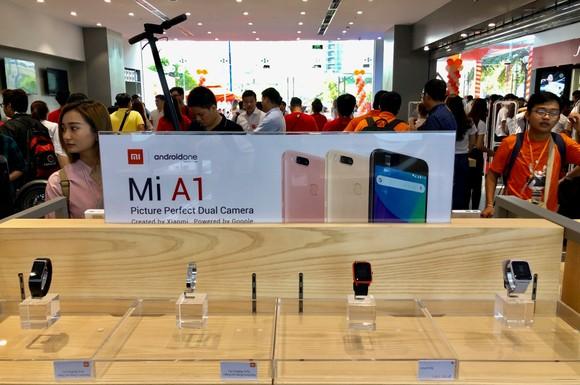 Xiaomi chính thức mở cửa hàng Mi Store ủy quyền ở quận 2 ảnh 2