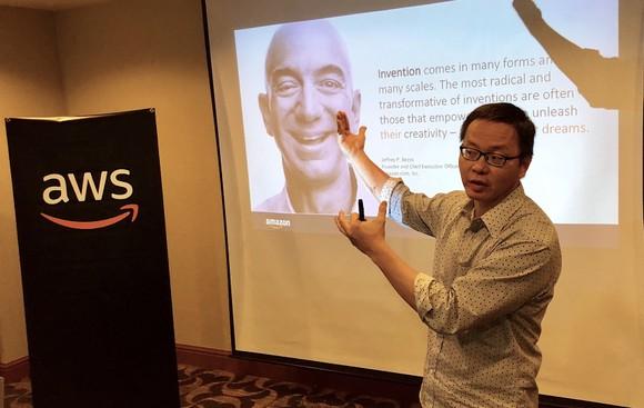 Lãng đạo của AWS giới thiệu về hạ tầng đám mây AWS