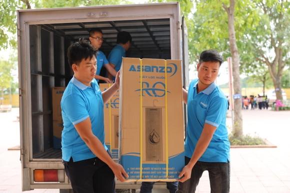 Asanzo tặng máy lọc nước cho trường học ảnh 1