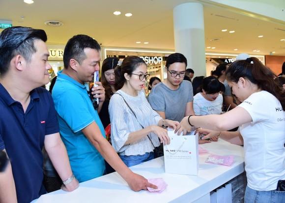 Chính thức mở bán P30 Series tại Việt Nam ảnh 1