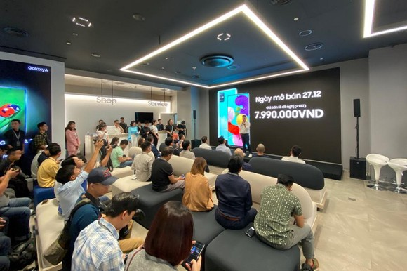 Galaxy A51 chuyên chụp macro giá 7,9 triệu đồng ảnh 2