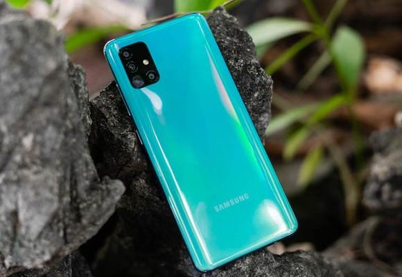Nhận ngay bộ quà 1,5 triệu khi đặt trước Galaxy A51 FPT Shop ảnh 1