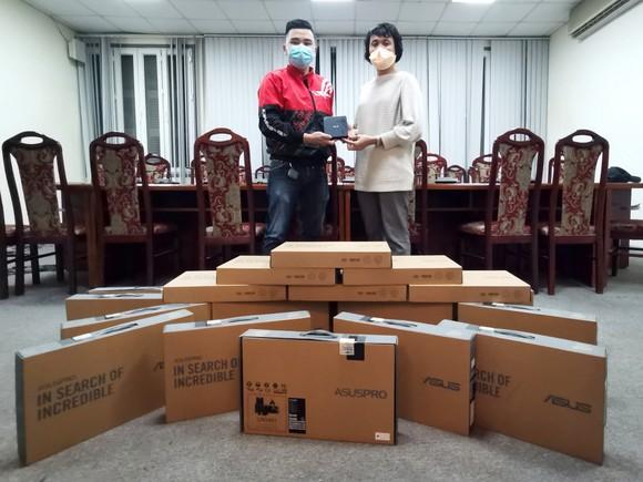ASUS hỗ trợ thiết bị y tế cho tuyến đầu chống dịch Covid-19  ảnh 1