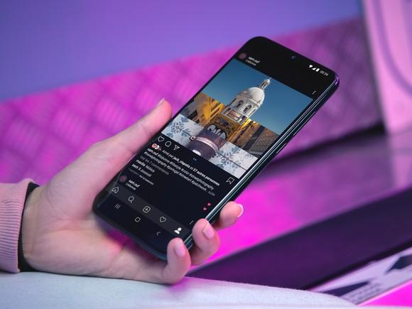 Wiko View4 Lite: Pin khủng, màn hình tràn viền, camera kép 13MP ảnh 2