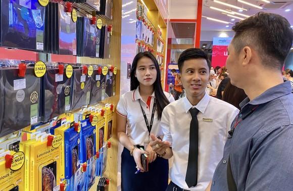 Di Động Việt và MobiFone hợp tác bán lẻ điện thoại trong 11 cửa hàng liên kết  ảnh 3