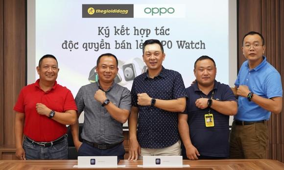 Lễ ký kết phân phối độc quyền OPPO Watch