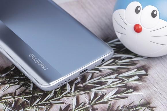 Realme 7 Pro: Thiết kế đẹp, giá hợp lý ở phân khúc tầm trung  ảnh 3