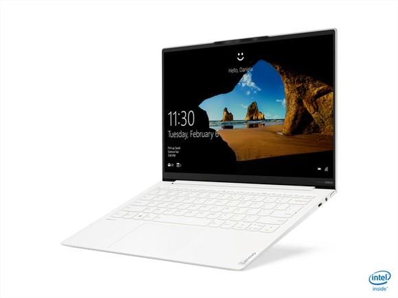 Yoga Slim 7i Carbon laptop có trọng lượng chỉ từ 966 gram ảnh 3