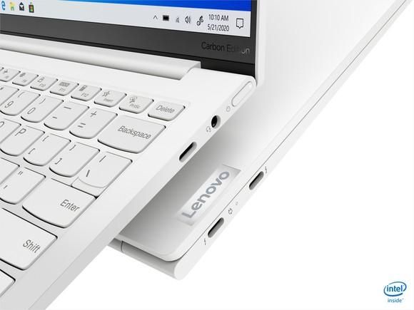 Yoga Slim 7i Carbon laptop có trọng lượng chỉ từ 966 gram ảnh 2