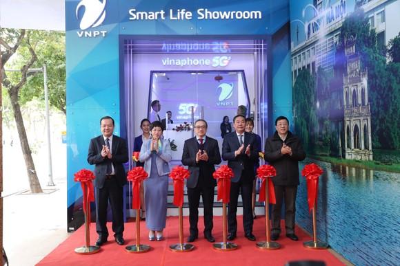 VNPT chính thức công bố vùng phủ sóng VinaPhone 5G tại Hà Nội và TPHCM ảnh 1