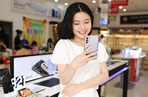 FPT Shop cho khách dùng miễn phí Galaxy S21 Series 14 ngày ảnh 1