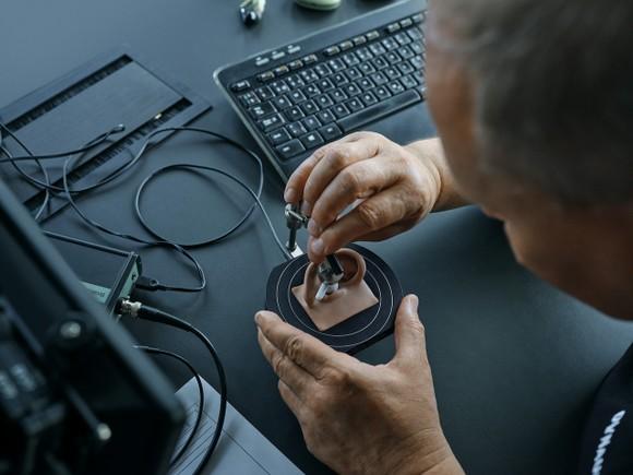 Hợp tác cùng Dynaudio, OPPO ra mắt tai nghe không dây cao cấp Enco X ảnh 2