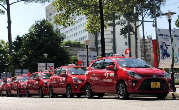 Vinasun Taxi ra mắt dòng taxi màu đỏ và gia tăng kết nối công nghệ   ảnh 1