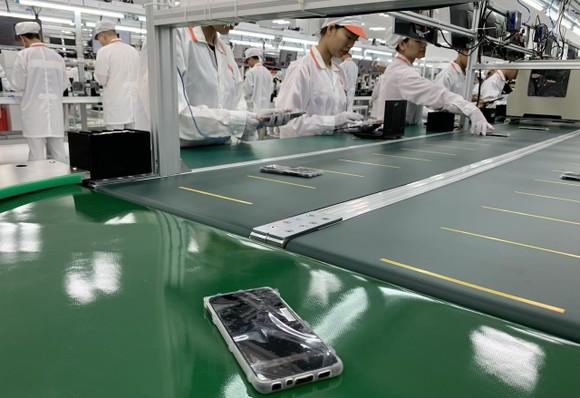 Vingroup dừng nghiên cứu, sản xuất ti vi và điện thoại di động ảnh 2