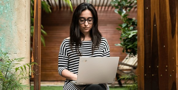 ThinkPad X1 Titanium Yoga laptop mỏng nhất của dòng ThinkPad