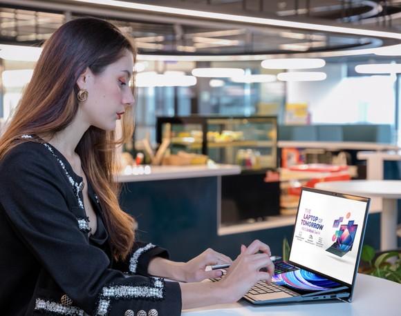 ZenBook Duo 14 UX482 laptop có thiết kế 2 màn hình  ảnh 4