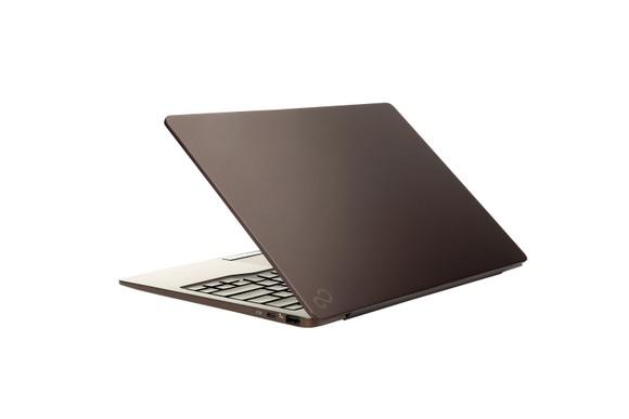 Fujitsu CH laptop cho trải nghiệm đa phương tiện di động toàn diện ảnh 1