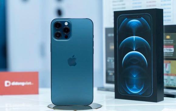 Lượng khách đặt hàng iPhone 12 Pro 128GB tăng mạnh khi model này đang giảm giá