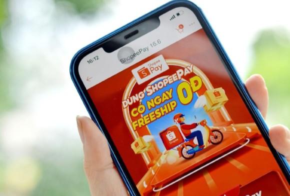 Người dùng nhận nhiều ưu đãi khi cập nhật ứng dụng ShopeePay ảnh 1