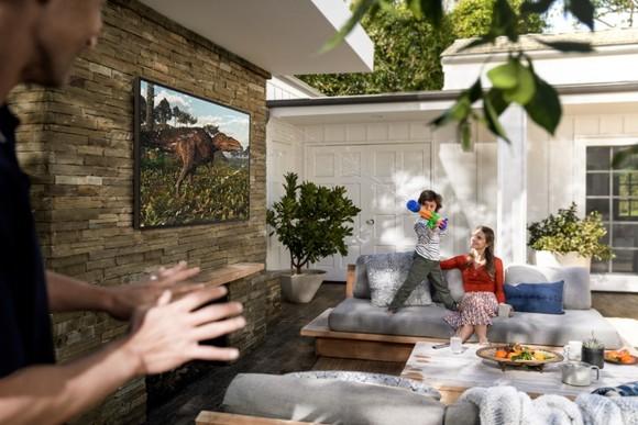 Samsung The Terrace: Ti vi đầu tiên nhận chứng nhận hiệu suất hiển thị ngoài  ảnh 1