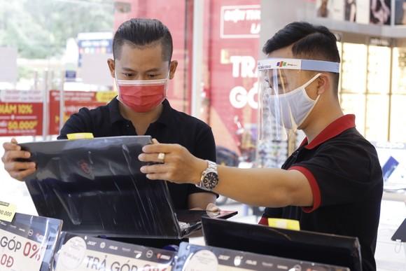 FPT Shop đứng đầu thị trường bán lẻ laptop ảnh 1
