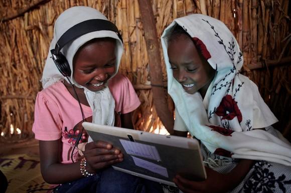 Ericsson là đơn vị tài trợ đầu tiên và là đối tác UNICEF toàn cầu thúc đẩy kết nối trường học để hỗ trợ sáng kiến Giga ảnh 2