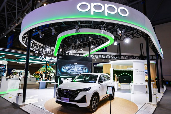 OPPO trình làng sạc nhanh không dây MagVOOC mới và công nghệ kết nối trong xe hơi ảnh 2