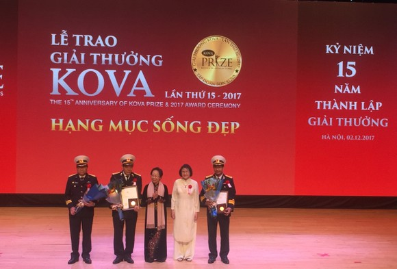 17 tập thể và cá nhân được trao tặng giải thưởng Kova 2017 ảnh 3