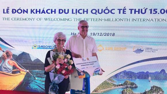 Du lịch Việt Nam đón vị khách thứ 15 triệu là người quốc tịch Mỹ ảnh 1