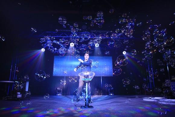 'Phù thủy bong bóng' Fan Yang mở sân chơi triệu đô cho thiếu nhi ảnh 1