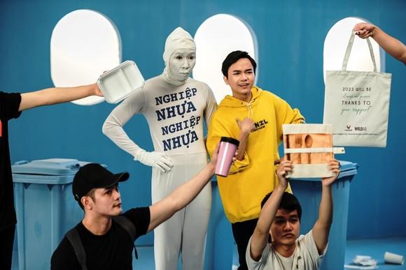 Nghệ sĩ Việt lan toả thông điệp nói không với nhựa một lần ảnh 2