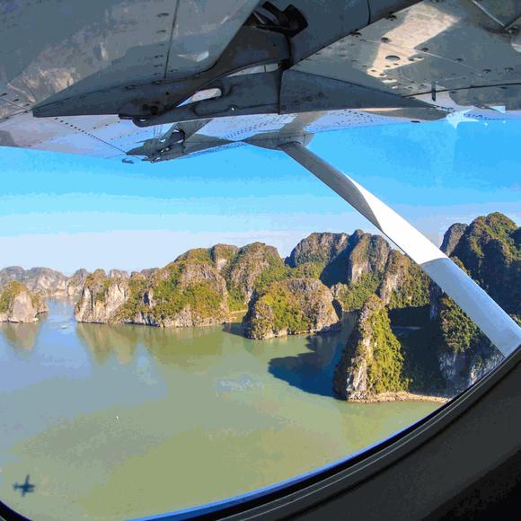 Những khung hình đẹp như tranh trên vịnh Lan Hạ ảnh 1