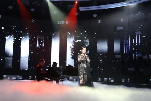 Dàn sao khủng Bắc Nam hội ngộ trong tiệc âm nhạc 'Chào 2021' ảnh 4