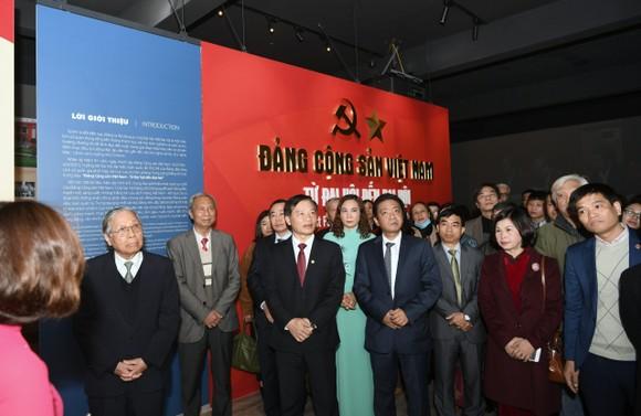 'Đảng Cộng sản Việt Nam - Từ Đại hội đến Đại hội' - nhiều tư liệu quý được giới thiệu ảnh 2