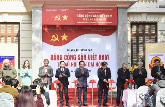 'Đảng Cộng sản Việt Nam - Từ Đại hội đến Đại hội' - nhiều tư liệu quý được giới thiệu ảnh 1