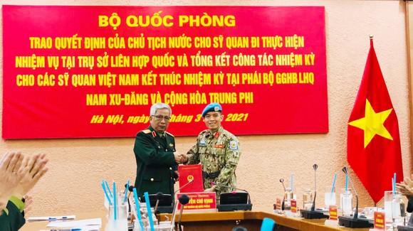 Sĩ quan Việt Nam được cử đi làm nhiệm vụ tại trụ sở Liên hợp quốc ảnh 1