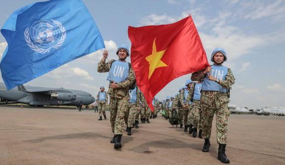 Thiếu tướng Hoàng Kim Phụng: Màu cờ Việt Nam phủ rộng hơn trên bản đồ gìn giữ hòa bình thế giới ảnh 1