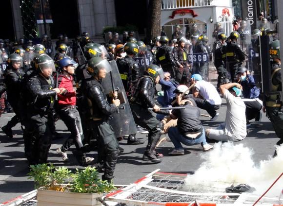Hơn 4.000 người tham gia diễn tập chống khủng bố ở TPHCM ảnh 10