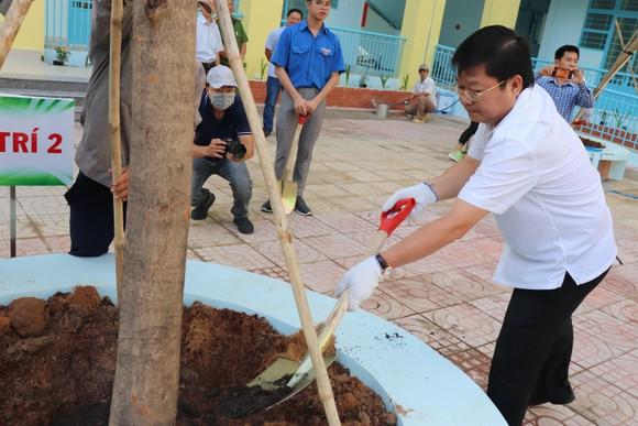 Người dân quận Bình Tân, quận 12 tổng vệ sinh môi trường ảnh 1