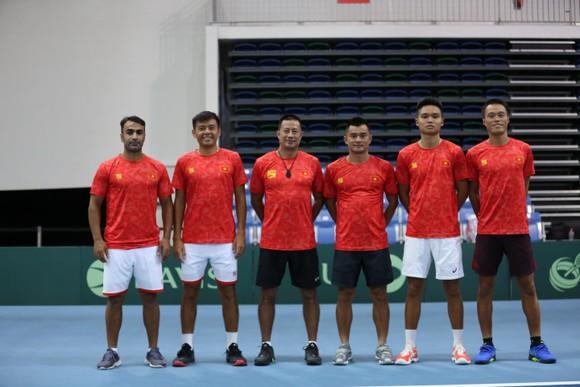 Lý Hoàng Nam lội ngược dòng giúp Việt Nam thắng trận ra quân giải quần vợt Davis Cup ảnh 2