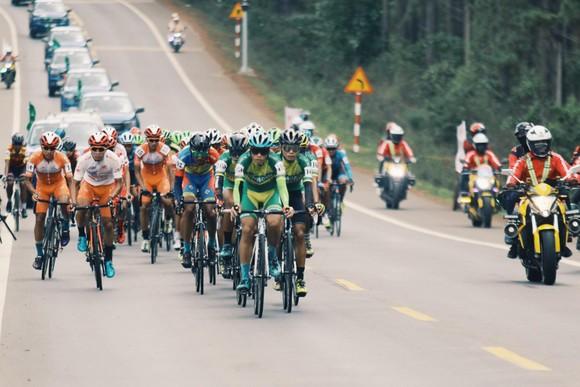 Tay đua Trần Tuấn Kiệt lần thứ 2 thắng chặng Cúp xe đạp Truyền hình TPHCM ảnh 1