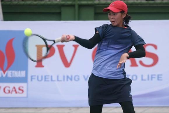 Tay vợt 13 tuổi nhiều triển vọng Ngô Hồng Hạnh. Ảnh: DƯ HẢI