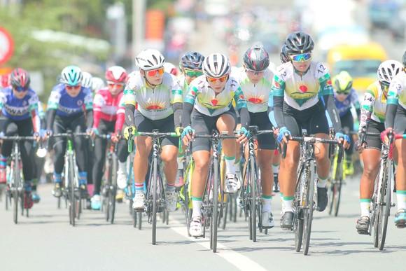 """Tập đoàn Lộc Trời muốn """"ăn chắc"""" cả nội dung đồng đội Giải xe đạp nữ An Giang 2020 ảnh 1"""
