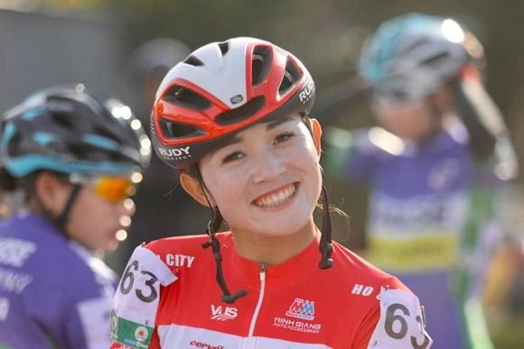 Các cô gái Tập đoàn Lộc Trời giành chiến thắng đi vào lịch sử xe đạp Việt Nam ảnh 1