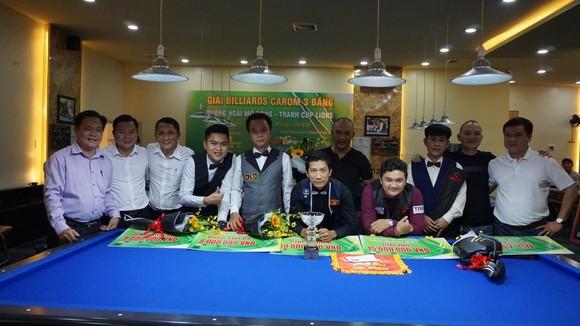 Các cơ thủ Việt Nam tạm ngưng thi đấu vì dịch.