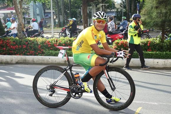 """""""Vua máy kéo"""" Trịnh Đức Tâm không được dự giải xe đạp vô địch quốc gia ảnh 2"""