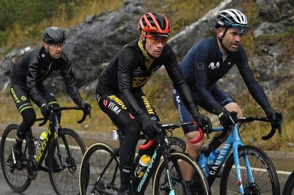 Giải xe đạp Vuelta a Espana vẫn tiếp diễn dù Tây Ban Nha ban hành giới nghiêm vì Covid-19 ảnh 1